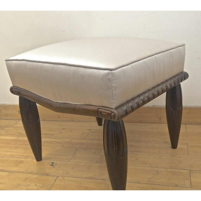 Art Deco Georges De Bardyere Art Deco Refined Carved Pair of Stools Newly Recovered in Skin Silk For Sale - Image 3 of 7