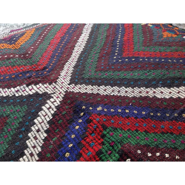 "Vintage Turkish Kilim Rug - 6'9"" x 10'5"" For Sale - Image 5 of 7"