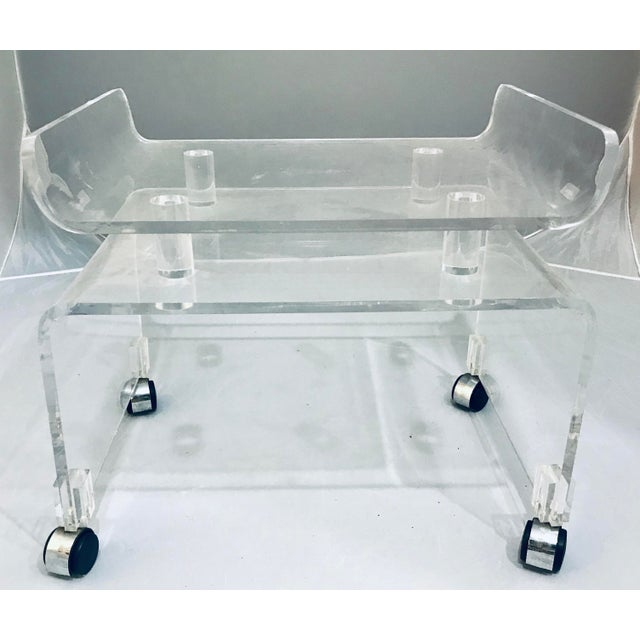 Mid-Century Modern 1970s Vintage Hill Manufacture Thick Lucite Vanity Bench For Sale - Image 3 of 6