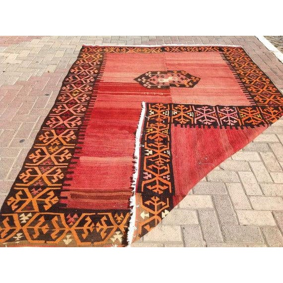"Vintage Turkish Kilim Rug - 6'9"" X 9' - Image 6 of 6"
