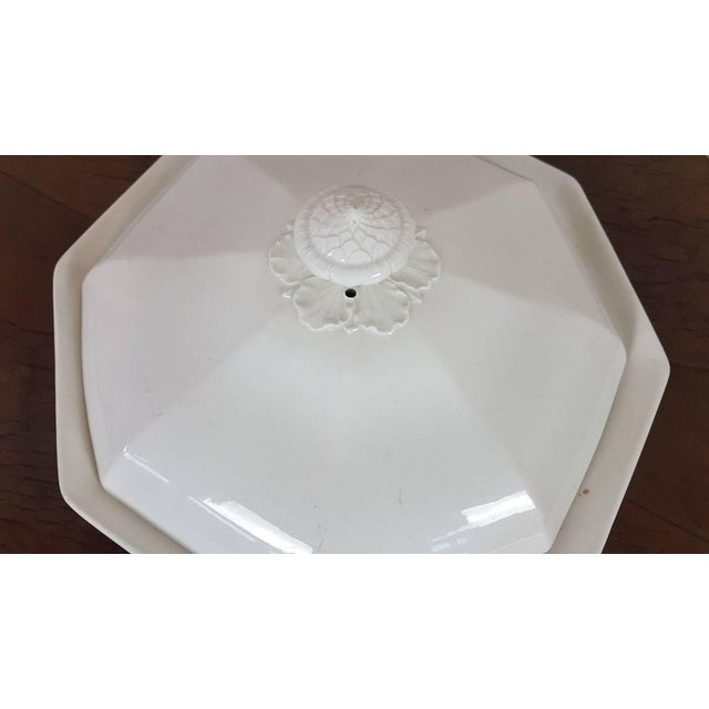 20th Century Italian Neoclassic Style White Ceramic Soup Tureen, 1920s For Sale - Image 4 of 7
