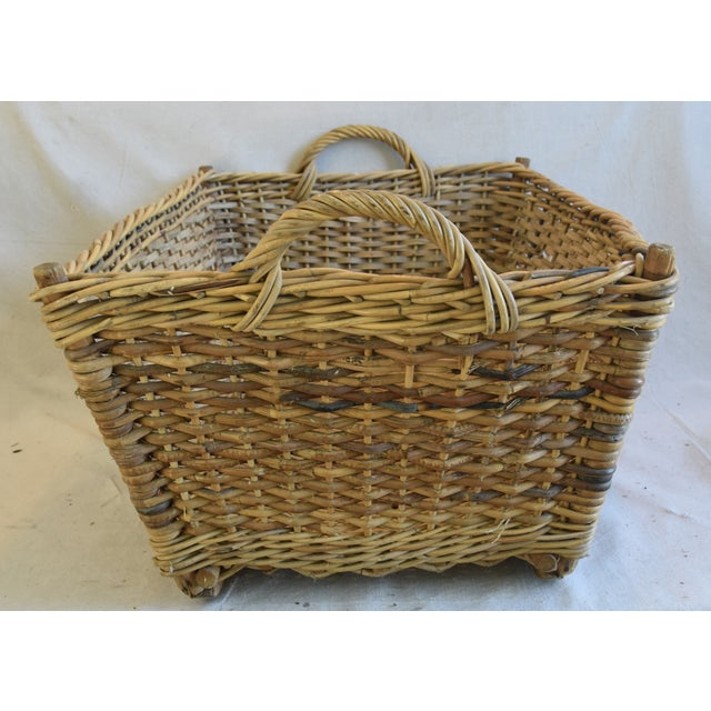 Large Early 1900s French Woven Wicker/Willow Market Basket For Sale In Los Angeles - Image 6 of 11