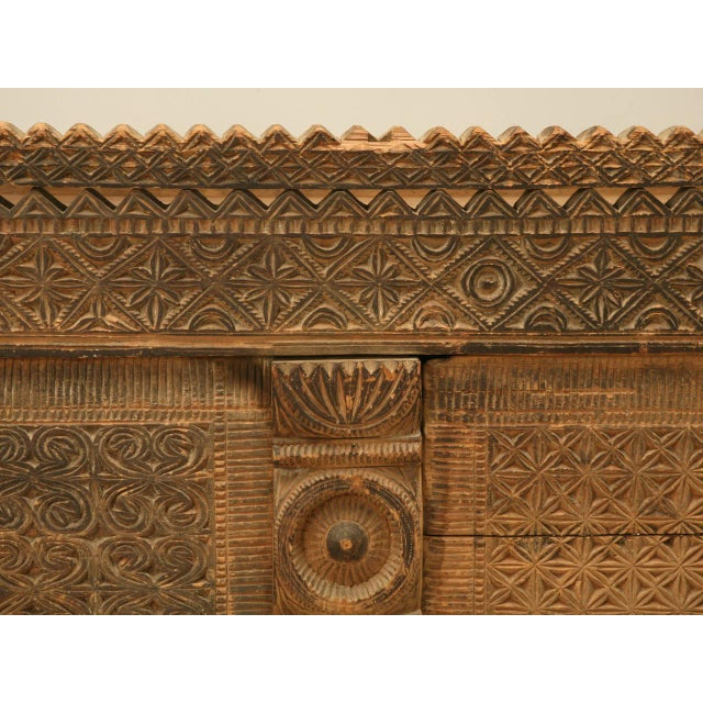 Swat Chest from the Swat Valley of Pakistan For Sale - Image 5 of 10