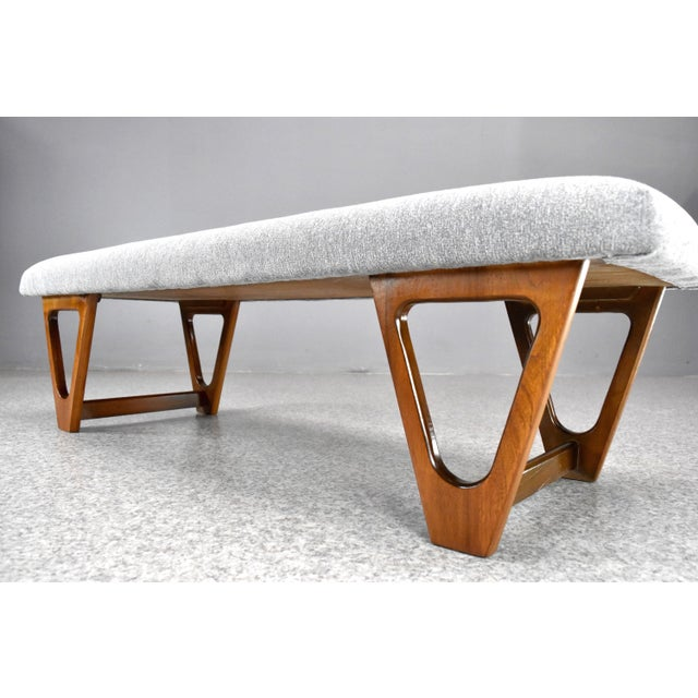 Mid-Century Modern Upholstered Bench For Sale In Orlando - Image 6 of 10