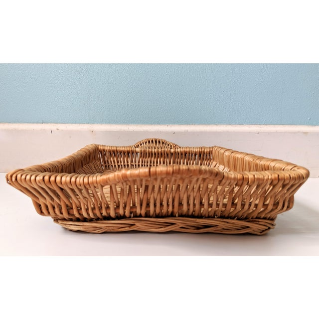 Vintage Boho Chic Wicker Tray Basket For Sale - Image 4 of 9