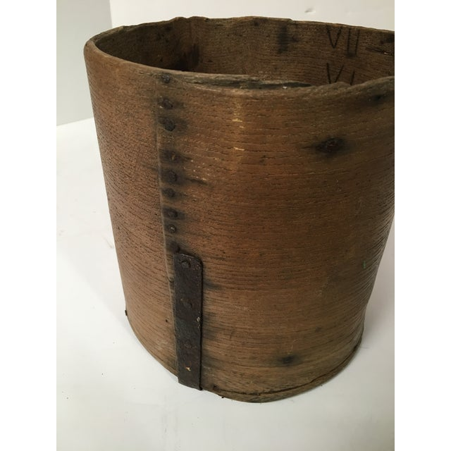 Antique British Hand Crafted Wooden Gallon Grain Holder - Image 8 of 9