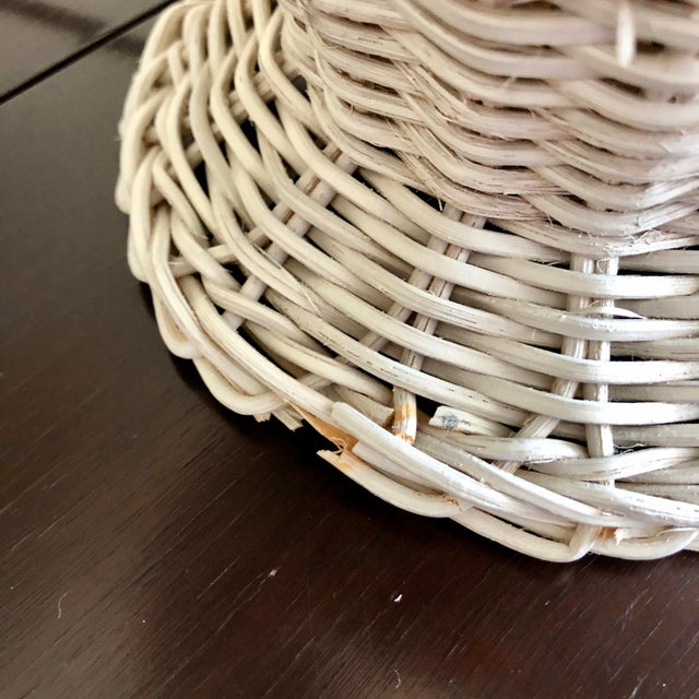Vintage White Wicker Table Lamp For Sale - Image 4 of 5