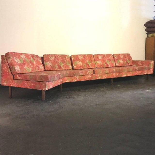 """1950s Vintage Dd & Leslie Tillett for Harvey Probber Sofa W """"Chrysanthemum"""" Fabric For Sale In New York - Image 6 of 7"""