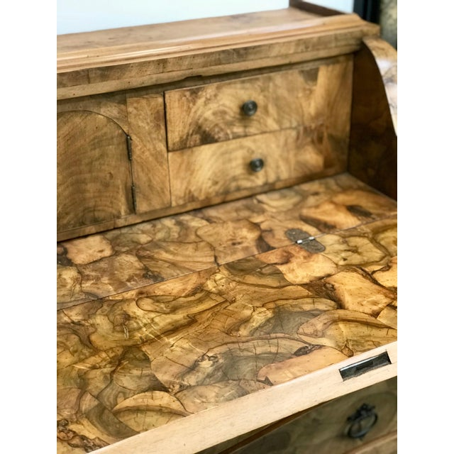Tan 20th Century Italian Art Deco Burl Wood 6-Drawer Secretary. For Sale - Image 8 of 10