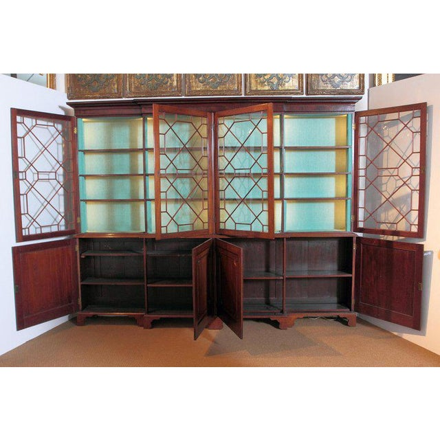 Late 18th Century George III Mahogany Breakfront For Sale In Dallas - Image 6 of 13
