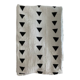 Extra Large Authentic White & Black Triangle Mudcloth Throw Blanket For Sale