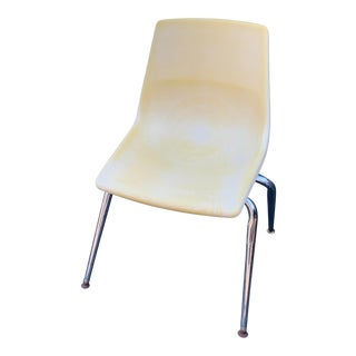 Mid 20th Century Heywood Wakefield Tan Plastic and Metal Chair For Sale