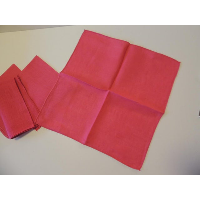 1980s Vintage Set of (4) Linen Fuchsia Napkins For Sale - Image 5 of 6
