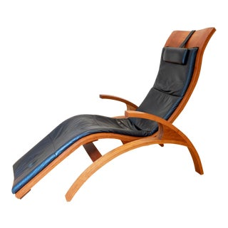 2013 Thomas Moser Cherry and Black Leather Chaise For Sale