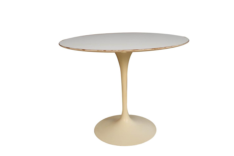 Early Knoll Mid Century Vintage Round Saarinen Tulip Table