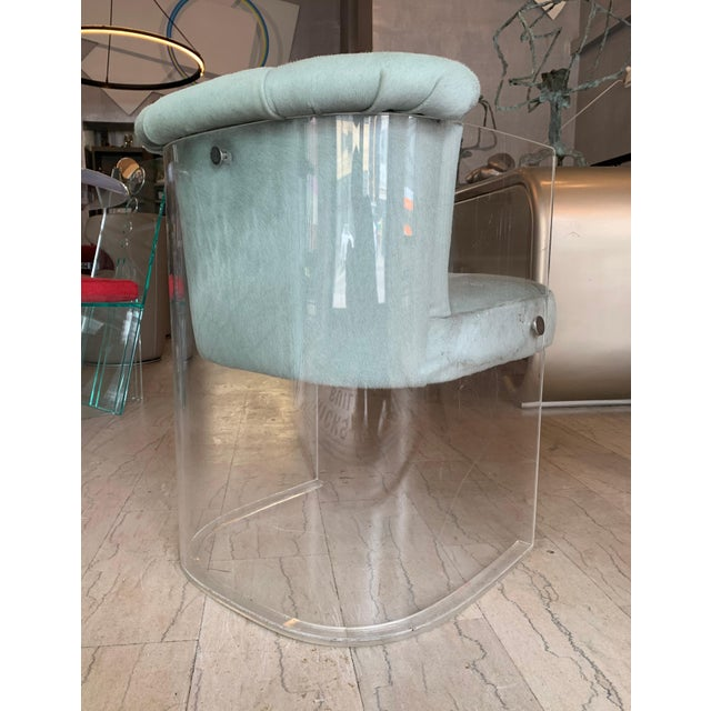 Set of 4 Barrel Chairs in Lucite and Pony Hair Leather For Sale - Image 4 of 12