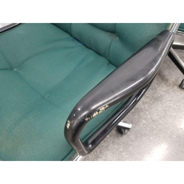1980's Mid-Century Modern Knoll Charles Pollack Cloth Office Chairs - Set of 3 For Sale In Miami - Image 6 of 10