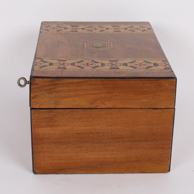 19th C. English Box With Exquisite Marquetry For Sale - Image 4 of 11