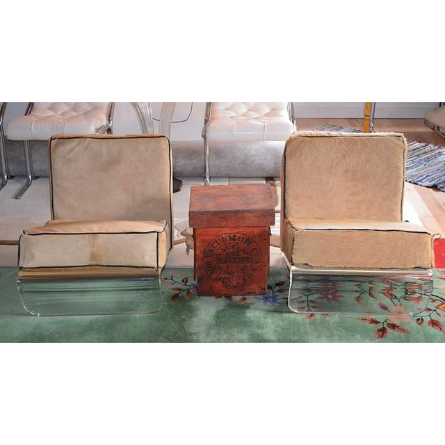 1970s Mid-Century Modern Tan Cushion Lucite Lounge Chairs - a Pair For Sale In New York - Image 6 of 9