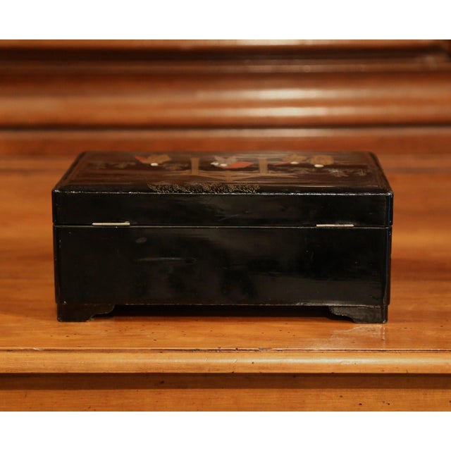 Gold 19th Century French Black Lacquered Make Up Music Box With Chinoiserie Decor For Sale - Image 8 of 9