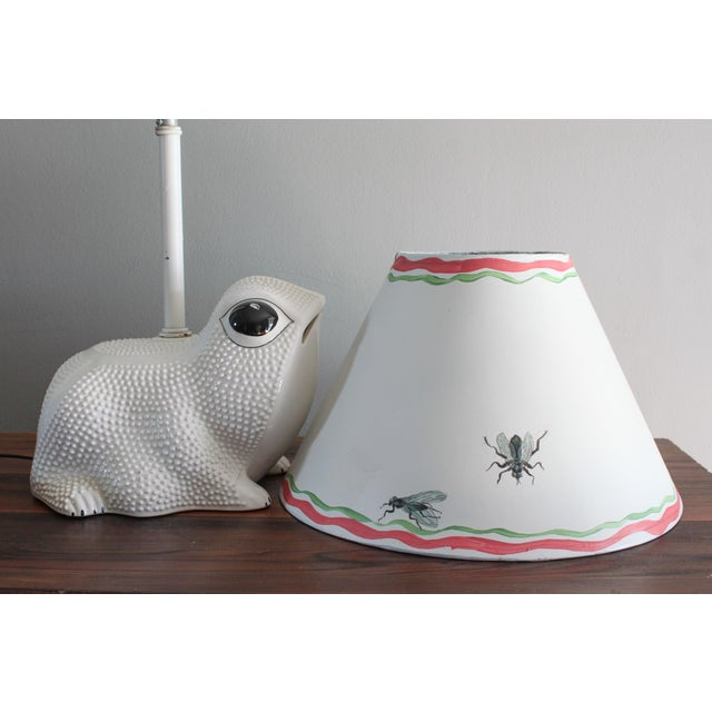 Boho Chic Vintage Italian White Ceramic Hobnail Frog Lamp With Hand Painted Shade in the Style of Jean Roger For Sale - Image 3 of 11