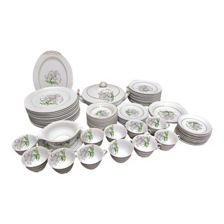 1940s Vintage Aladdin Japan Donna Lily Fine China - 66 Pieces For Sale