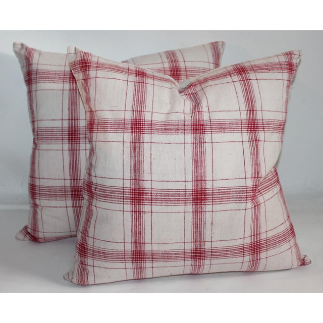 Great pair of red and white striped linen pillows. this pair has been professionally laundered and have been fitted with...
