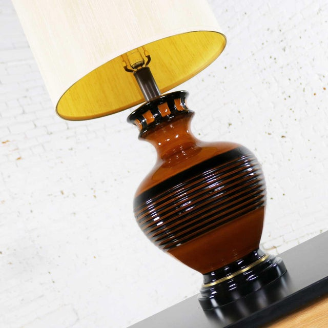 Wood Large Brown and Black Mid Century Modern Bulbous Ceramic Lamp For Sale - Image 7 of 13