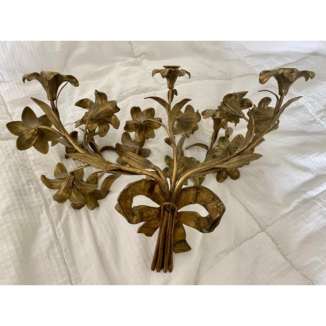 1950s Vintage Hollywood Regency Lily Brass Wall Sconce Candelabra For Sale - Image 4 of 5