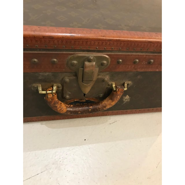 French Louis Vuitton Suitcase Trunk With Key For Sale - Image 3 of 13
