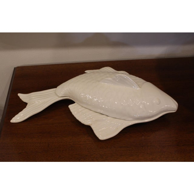 1960s Covered Pottery Glazed White Fish Platter For Sale In New York - Image 6 of 8