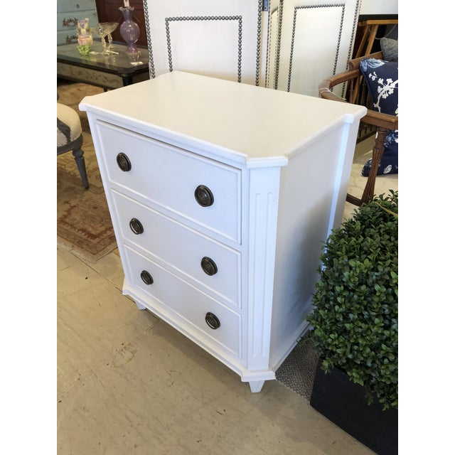 Traditional White Painted Chest of Drawers Nightstand For Sale - Image 3 of 10