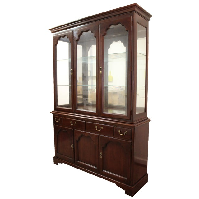 Drexel Heritage Carleton Cherry China Cabinet For Sale