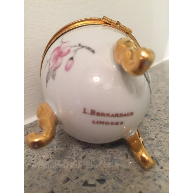 L. Bernardaud and Co. 1980s French Pronvincial Limoges Trinket Egg Box For Sale - Image 4 of 8