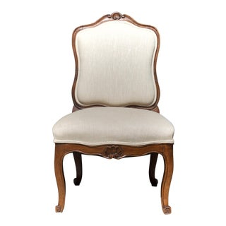 18th C. French Slipper Chair in Linen For Sale