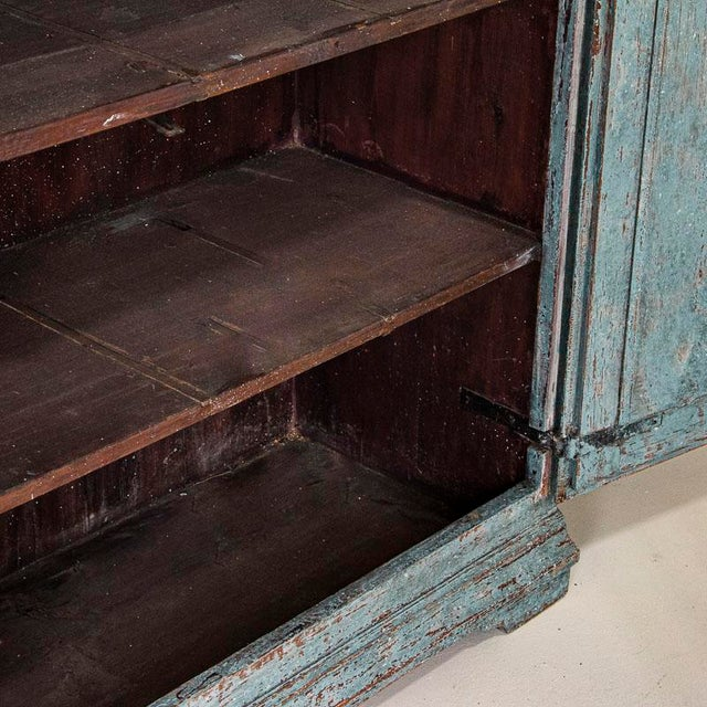 Early 19th Century Antique Blue Painted Bookcase Display Cabinet From Sweden For Sale - Image 5 of 13