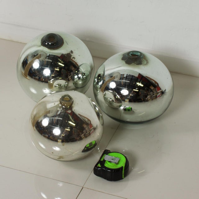 Vintage 1950s Mexico Mercury Glass Globes Gazing Ball Spheres- Set of 3 For Sale In San Diego - Image 6 of 8