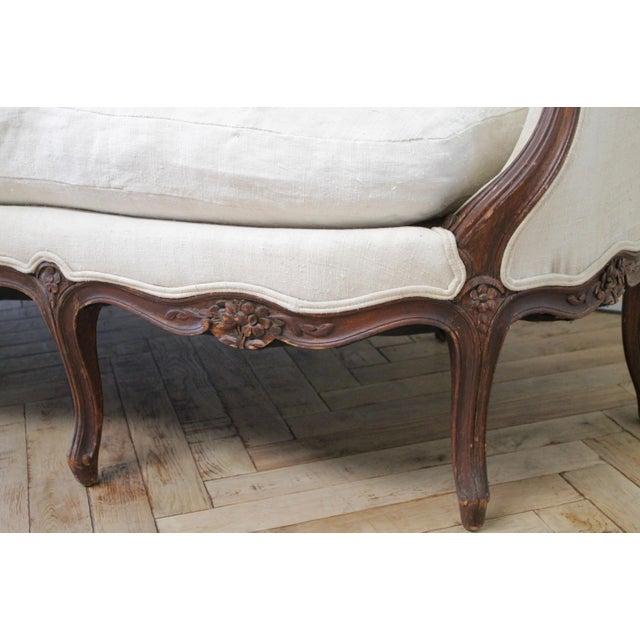 Late 19th Century Carved Walnut Sofa With Antique French Grainsack Upholstery For Sale - Image 11 of 13