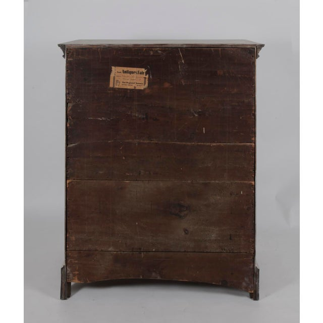 19th Century Traditional White Painted Chest of Drawers With Wooden Knobs For Sale In New York - Image 6 of 8