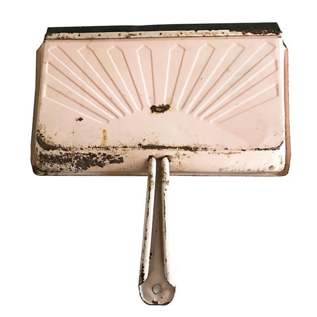 Vintage Pink Metal Dustpan - Image 4 of 4