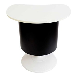 Mid Century Modern Black and White Kidney Shaped Top Tulip Base Bar For Sale