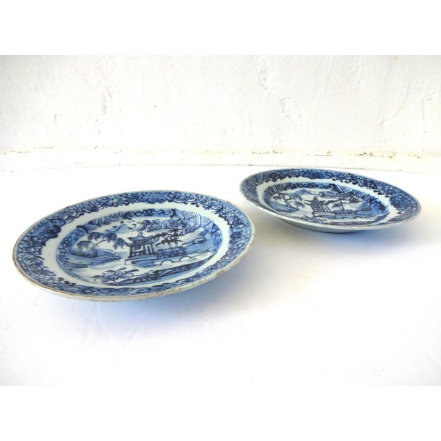 17th Century Antique 18th-Centry Kangxi Chinese Export Porcelain Blue Underglaze and White Plates - a Pair For Sale - Image 5 of 12