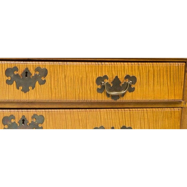 19th Century American Chippendale Style Curly Tiger Maple Highboy Chest of Drawers For Sale - Image 4 of 8