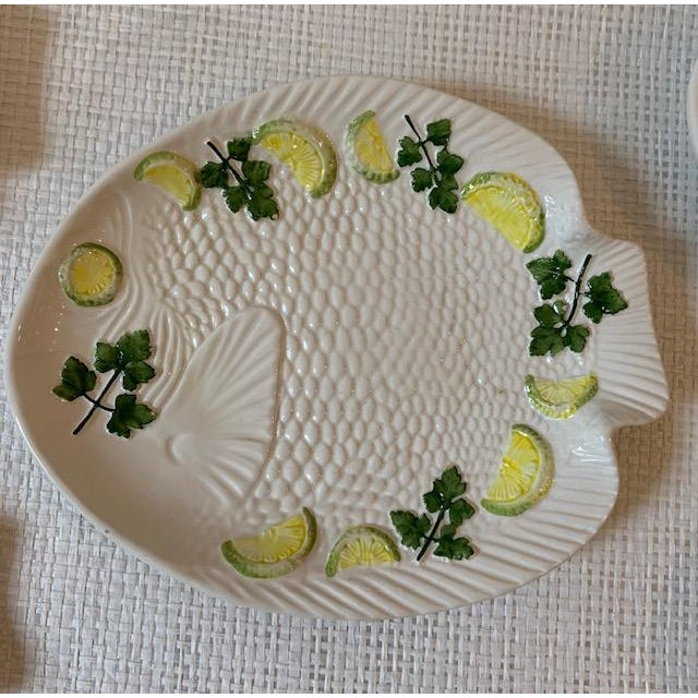 Farmhouse 1970s Vintage Set Italian Majolica Bassano Fish Plates - Set of 6 For Sale - Image 3 of 6