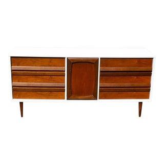Mid-Century Modern Nine Drawer Dresser/Sideboard For Sale
