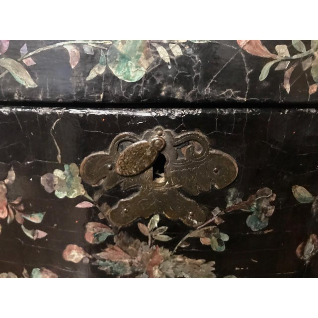 Asian Chinese Coromandel Lacquer Hot Box, 19th Century For Sale - Image 3 of 10