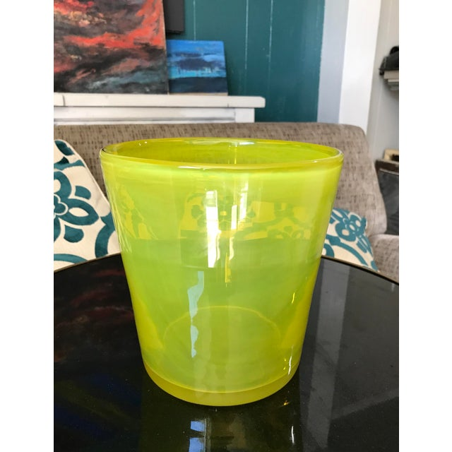Mid-Century Modern Art Glass Ice Bucket in Citron For Sale - Image 3 of 11