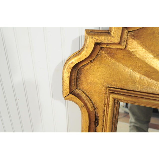 1950s Italian Carved Wood Gold Scroll Shell Form Wall Console Decorator Mirror - Image 6 of 9