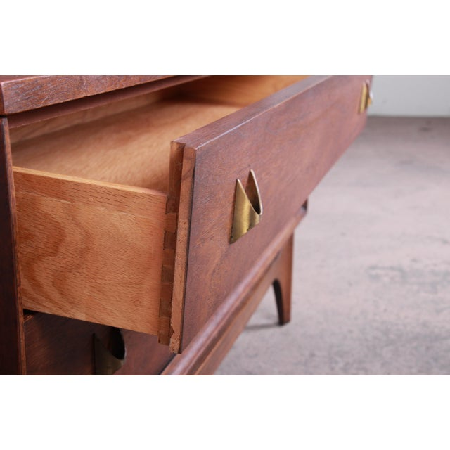 Brown Broyhill Brasilia Mid-Century Modern Sculpted Walnut Gentleman's Chest For Sale - Image 8 of 12