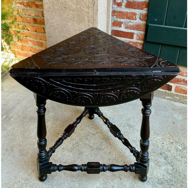 Wood Antique English Carved Oak Envelope Handkerchief Drop Leaf Round Table Corner For Sale - Image 7 of 13